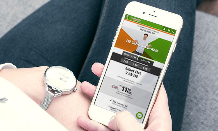 Klarmobil LTE: Smartphone mit mobiler Ansicht eines Klarmobil Tarifs
