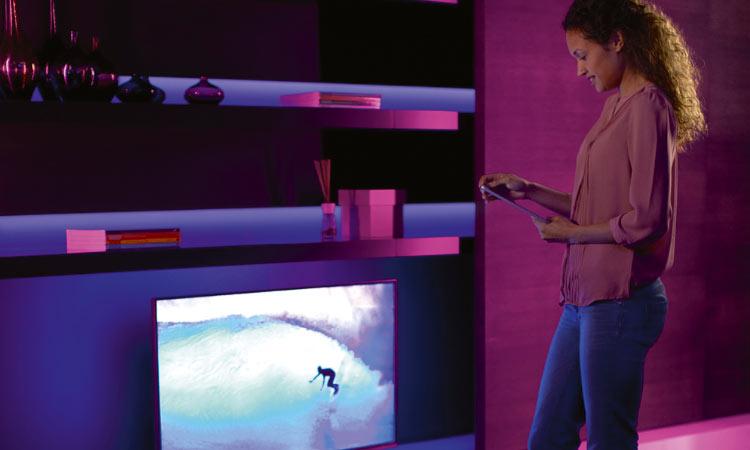 Philips Hue kann auch in Verbindung mit dem TV-Gerät eingesetzt werden