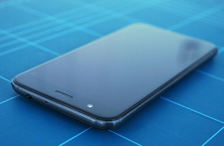 Vodafone Smart Prime 7 Schrägansicht III